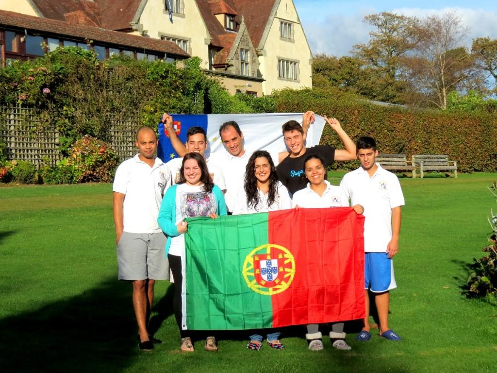 """Duarte Gomes com """"a armada portuguesa em Okehampton, Reino Unido"""", todos participantes da VidaEdu"""
