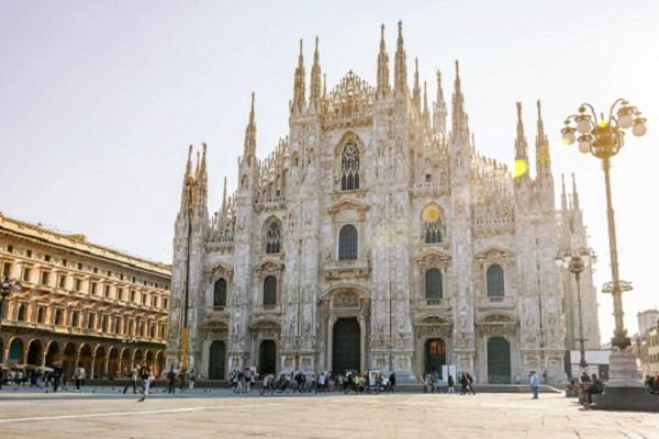 emprego estagio remunerado hotelaria milao italia