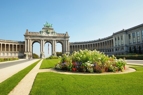 Triumph Arch in Cinquantennaire Parc in Brussels, Belgium in clear day