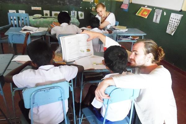 vidaedu volunteer internacional ensinar criancas colombo sri lanka