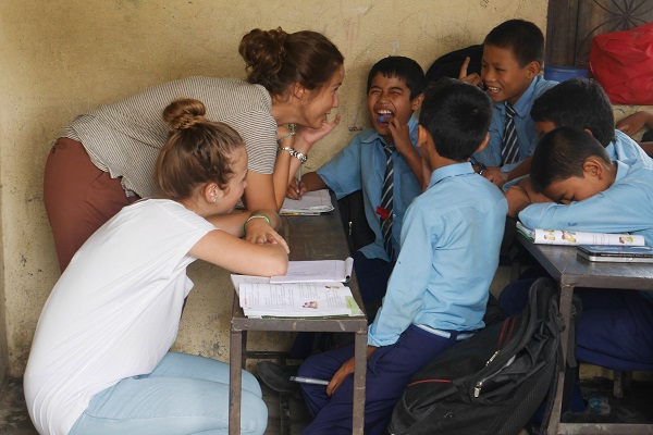 vidaedu criancas ensino voluntariado internacional pokara nepal