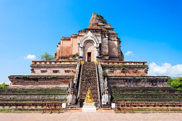 vidaedu viajar voluntariado internacional Wat Chedi Luang Tailandia