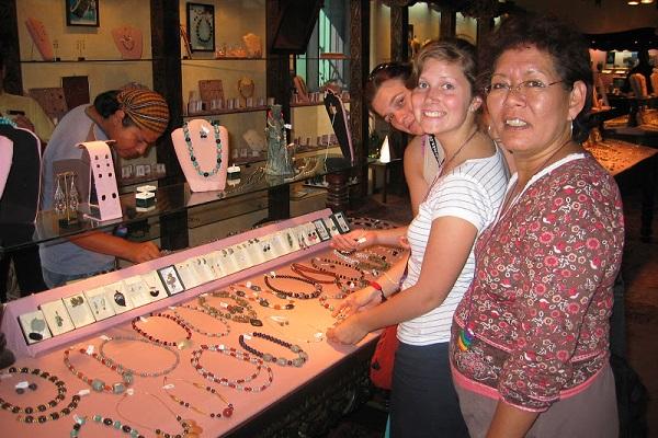 vidaedu viajar voluntarias antigua guatemala