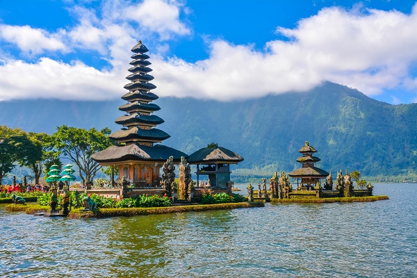 vidaedu Bali Water Temple Pura Ulun Danu indonesia