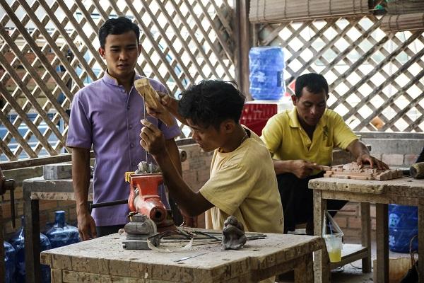 vidaedu voluntariado Siem Reap artisant angkor cambodja asia