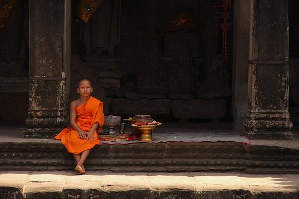 vidaedu voluntariado internacional angkor wat monk cambodja asia