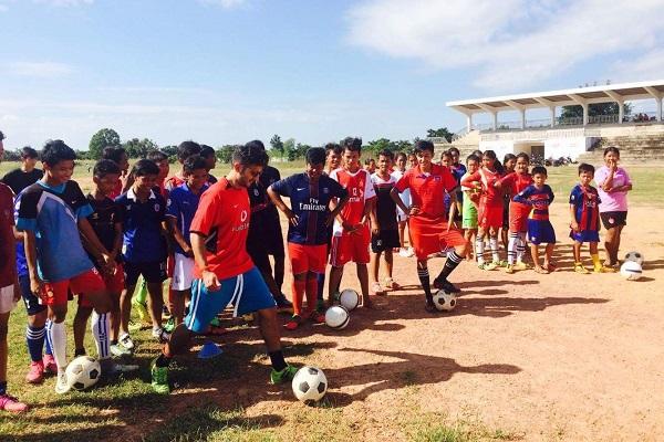 vidaedu voluntariado internacional desporto criancas cambodja asia