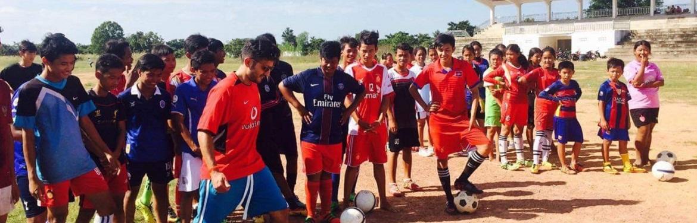 Desporto com Crianças no Cambodja