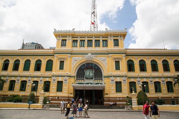 vidaedu voluntariado viajar centre post office vietname