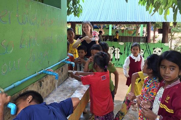 vidaedu volunteer saude criancas cambodja asia