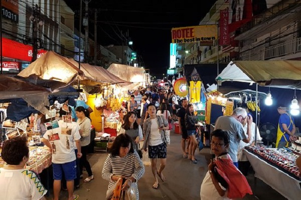 vidaedu voluntariado visita mercado Hua Hin tailandia