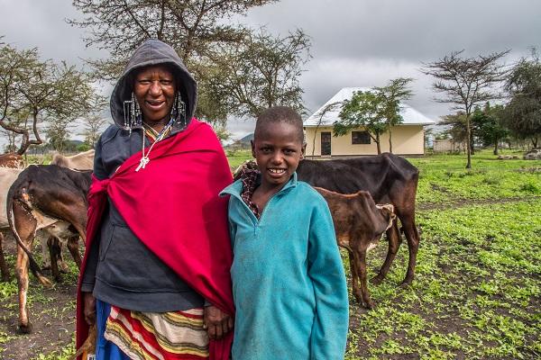 vidaedu volunteer international women maasai tanzania