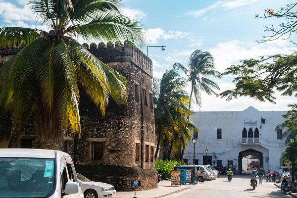 vidaedu voluntariado visita old fort semana cultural zanzibar
