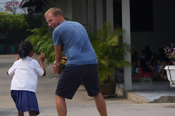 vidaedu volunteer internacional desporto criancas tailandia