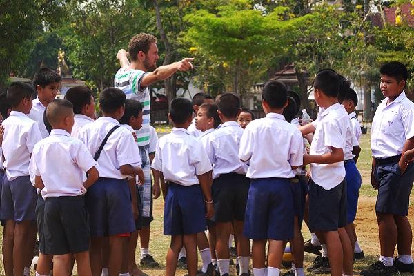 vidaedu volunteer international desporto criancas tailandia