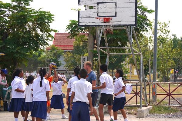 vidaedu volunteer international desporto singburi tailandia