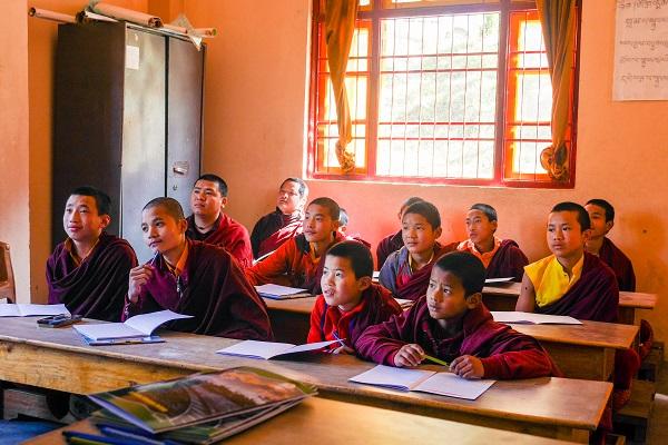 vidaedu volunteer international monges india