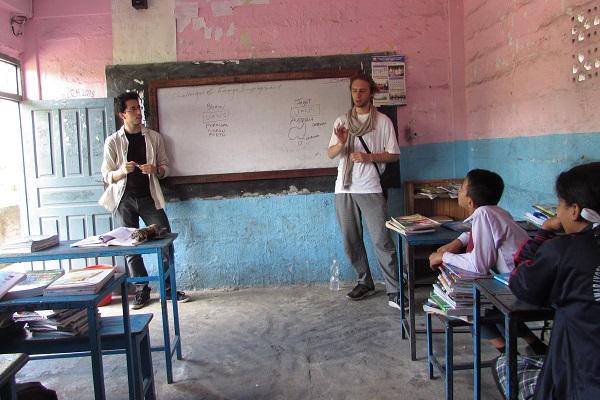 vidaedu ensino criancas voluntariado pokara nepal