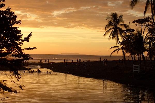 vidaedu sunet jaco beach voluntariado internacional costa rica