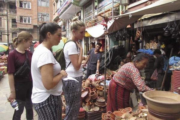 vidaedu voluntariado internacional market katmandu nepal