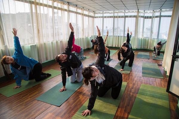 vidaedu voluntariado internacional yoga katmandu nepal