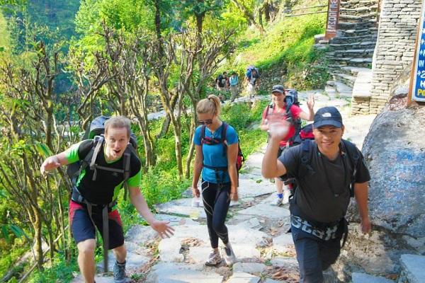 vidaedu voluntariado trekking himalaias viajar nepal