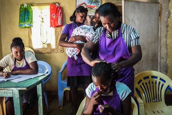 vidaedu voluntariado internacional women quenia africa